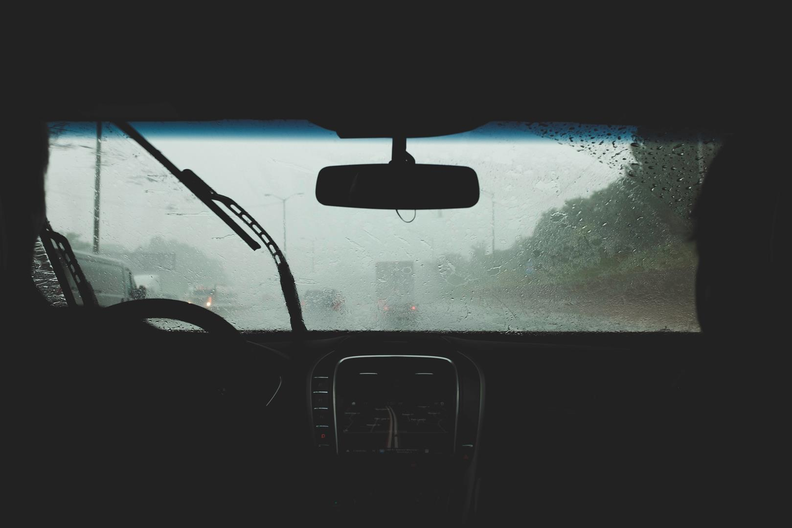 Here's How You Can Make Your Wiper Blades Last Longer